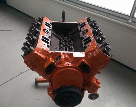 Kfz-Motor Teil - auf dem Boden